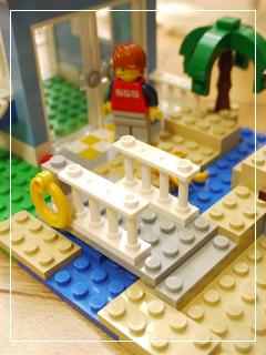 LEGOSeasideHouse19.jpg