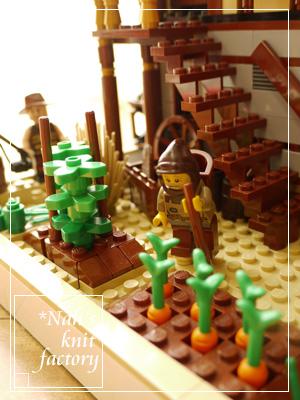 LEGOVillageExtra12.jpg
