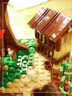 LEGOVillageExtra14.jpg