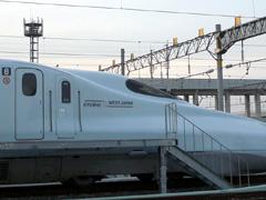 熊本市富合町の熊本総合車両基地で待つ九州新幹線たち☆