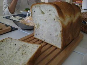 ごま食パン 005