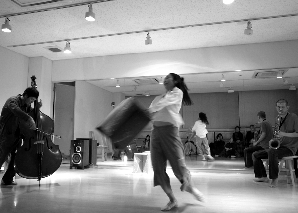 20120211_NIMA_Dance_Studio