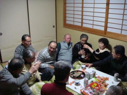 銀嶺会2次会 大平山荘客室にて