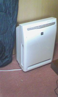 仕事部屋の空気清浄機