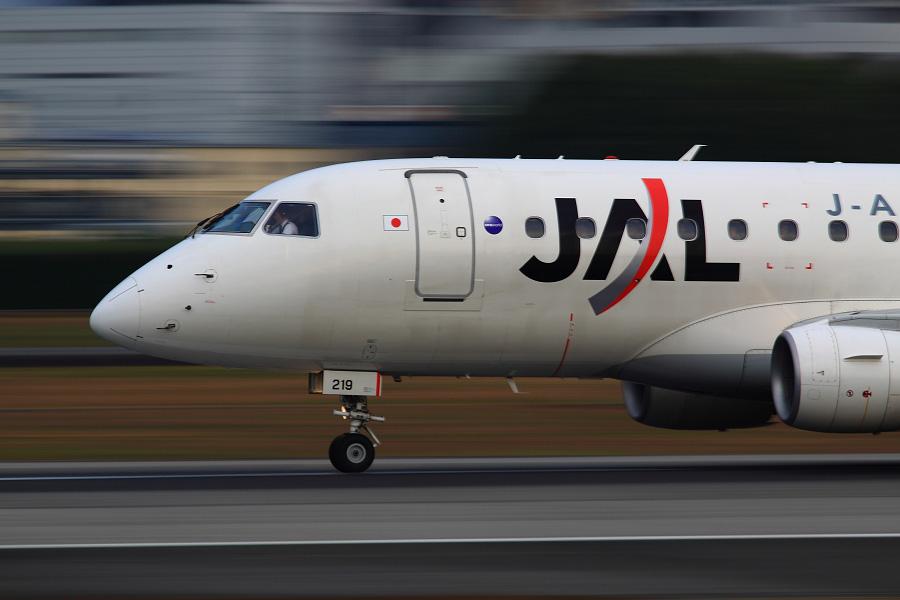 J-AIR ERJ-170 / JAL2157 (JA219J)@伊丹スカイパーク