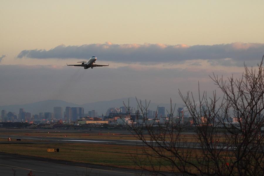 J-AIR CRJ-200ER / JAL2179 (JA204J)@エアフロントオアシス下河原