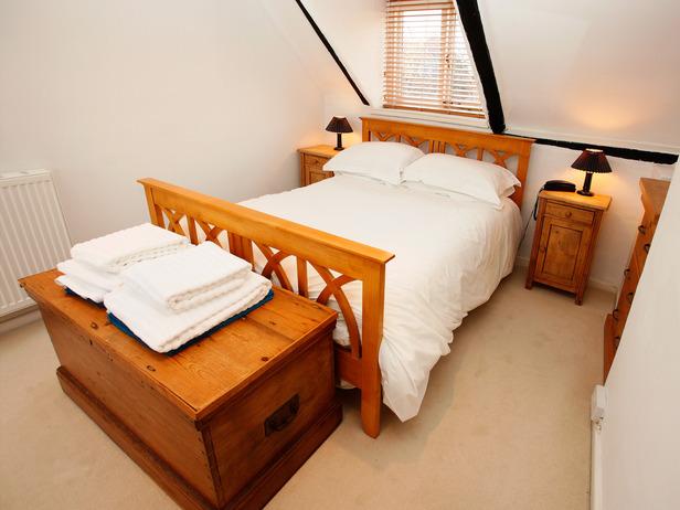 iStock-8339803_Attic-Bedroom_s4x3_lg.jpg