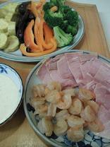 蒸し野菜とハムとエビ