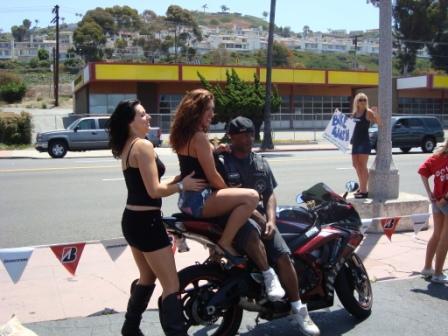 Bike wsh GSXR calender girls