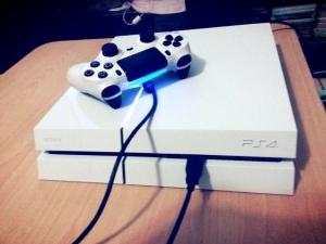 PS4冰河白