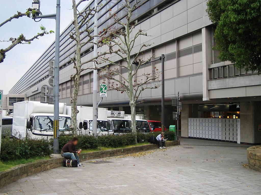 冬の一人旅(JR京都駅八条口側)