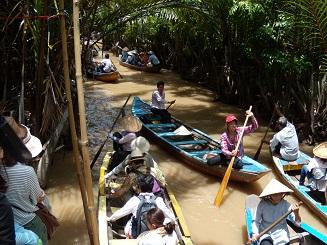 ベトナム旅行 小船