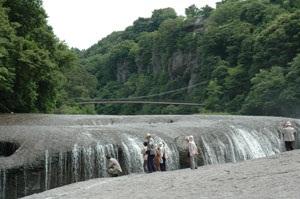 吹き割の瀧