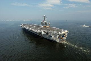 Flickr_-_Official_U_S__Navy_Imagery_-_USS_George_Washington_arrives_in_Yokosuka_.jpg