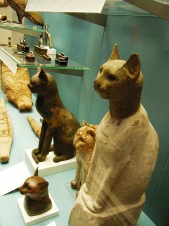 大英博物館の猫
