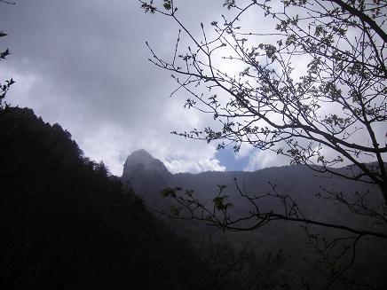 ┗(-_-;)┛重い。。。雲、パート③