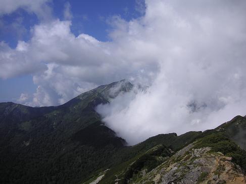 鹿島槍は雲の中