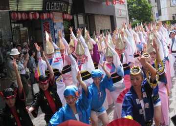 徳島駅前踊り