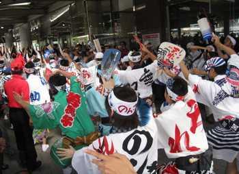 徳島駅前踊り4