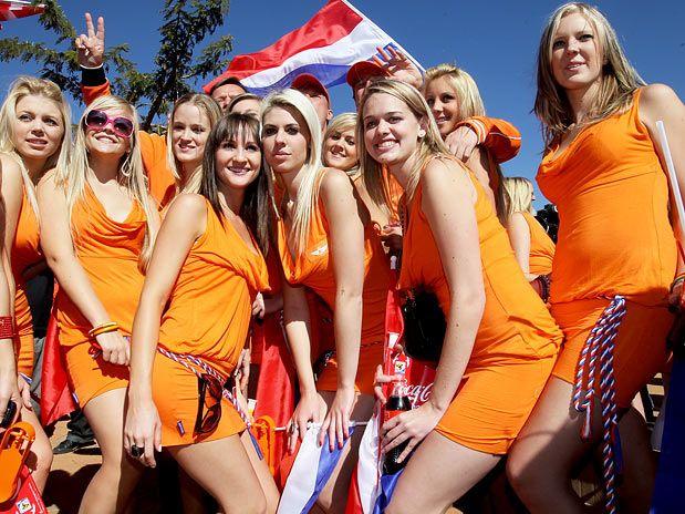 オランダミニスカサポーター軍団