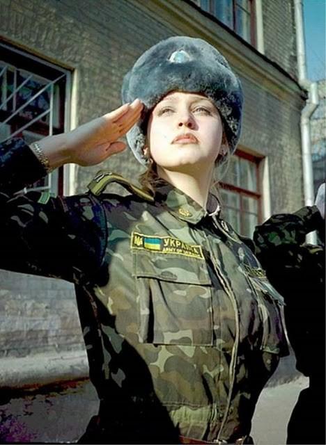 ウクライナ女性兵