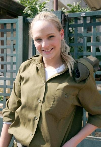 イスラエル女性兵1