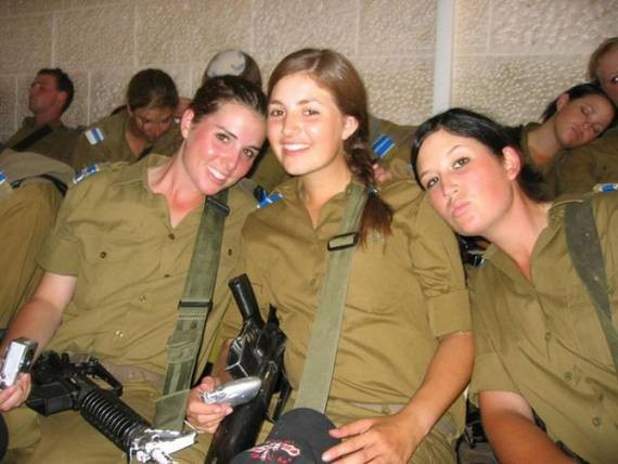 イスラエル女性兵2