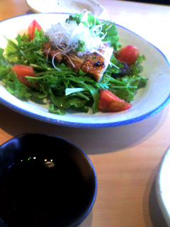 炭火焼き鶏のサラダ