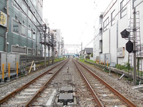 西武新宿線の久米川第1踏切道@東村山市E