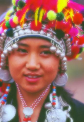 27アイニバラ族の娘さん