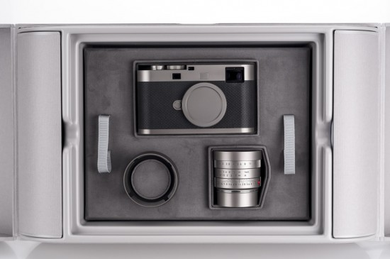 Leica-M-Edition-60-camera-unboxing-3-550x365.jpg