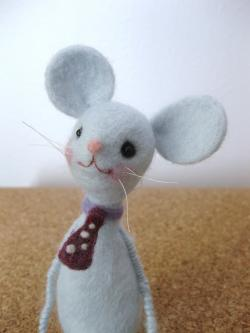 skinny mouse 3
