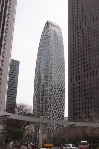 P4104485-building.jpg