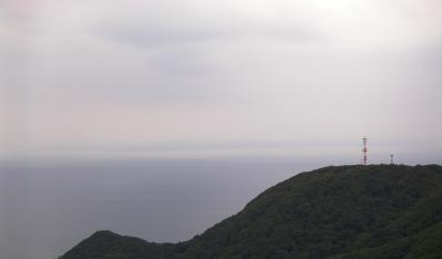 遠方下北半島島影