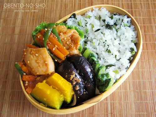 鶏と野菜のピリ辛炒め弁当01