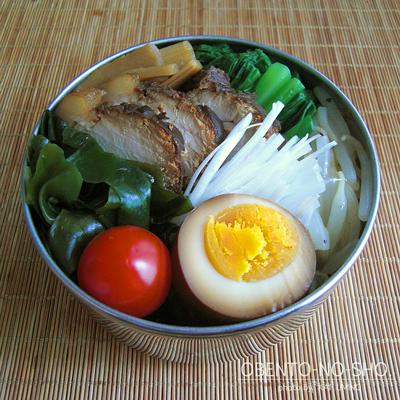 手作り叉焼つけ麺弁当02