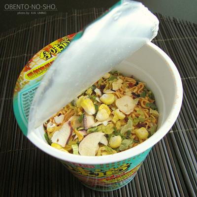 ベトナムの香辣海鮮味カップヌードル