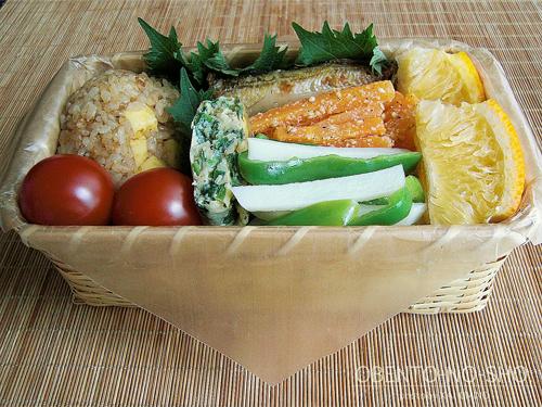 チーズおかかおむすび弁当03