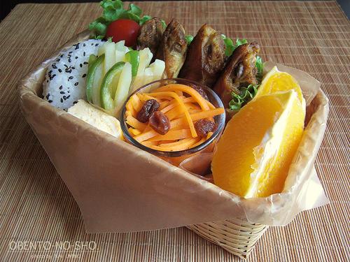 手羽先のカレー風味焼き弁当01
