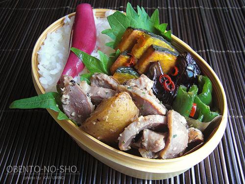砂肝の塩麹炒め弁当01