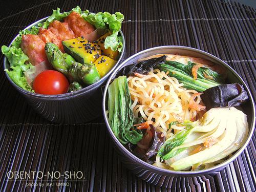 イカ薩摩と青梗菜の塩焼きそば弁当01