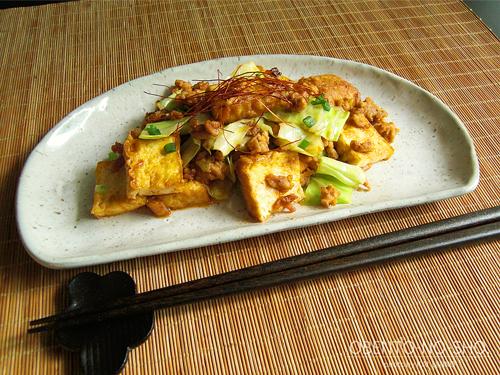 厚揚げとキャベツのピリ辛炒めのおウチご飯02