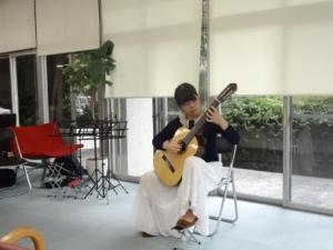 guitar2-3.jpg