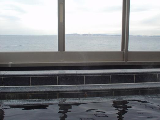 東京湾富士山が見える天然温泉海辺の湯の食堂025
