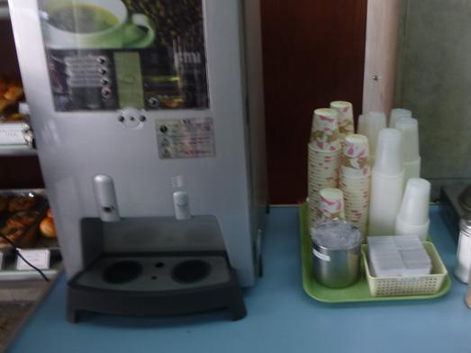 神田淡路町近江屋洋菓子店おかわり自由な喫茶コーナー010