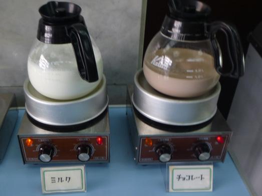 神田淡路町近江屋洋菓子店おかわり自由な喫茶コーナー011