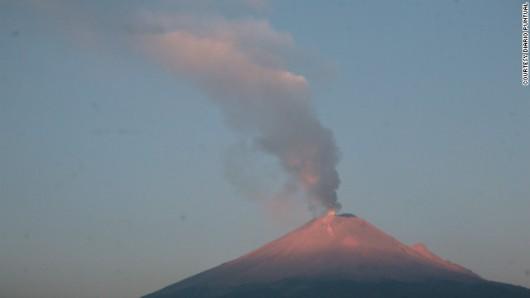 120417084616-popocatepetl-volcano-416-story-top.jpg