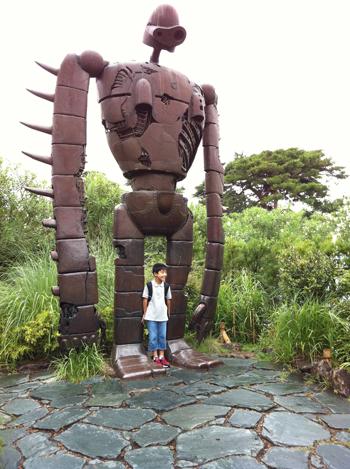 ロボット兵と少年
