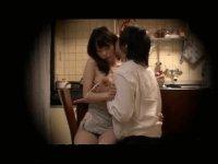 【盗撮】自宅に嫁が若い男を上げてた様子を隠しカメラで激写!