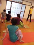 20121201charityyoga (14)
